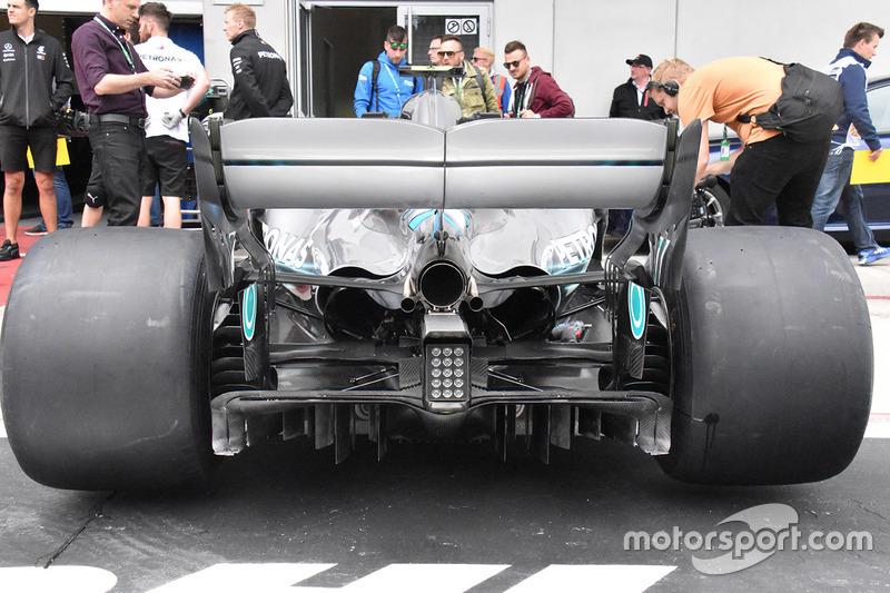 Дифузор Mercedes AMG F1 W09