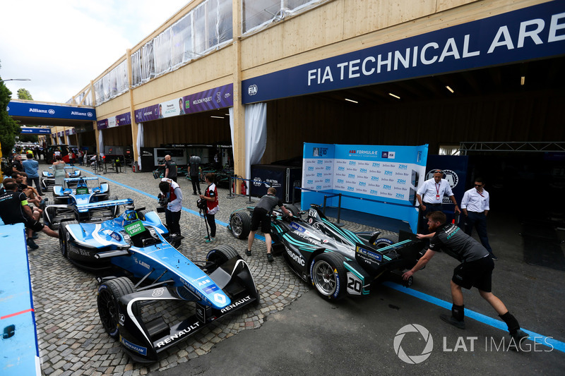 Car of Mitch Evans, Jaguar Racing, leaves the FIA Technical area