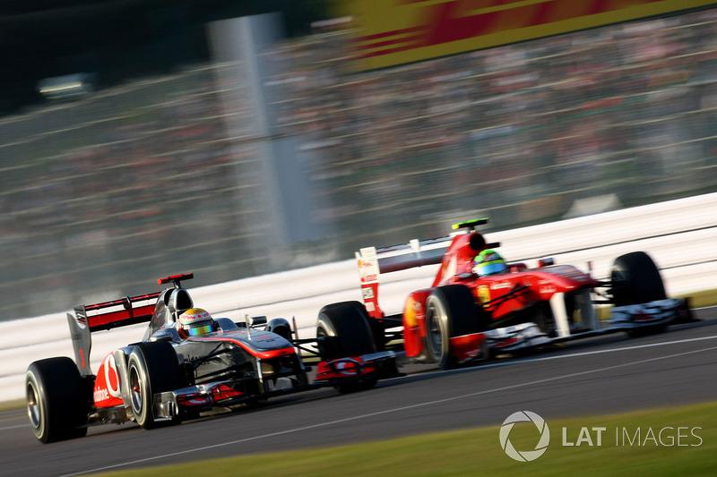 Lewis Hamilton, McLaren MP4-26 Mercedes, battles with Felipe Massa, Ferrari