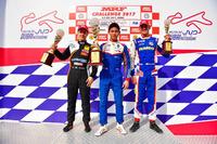 Pemenang Race 4, Presley Martono; Peringkat kedua, Felipe Drugovich; Peringkat ketiga, Rinus van Kalmthout