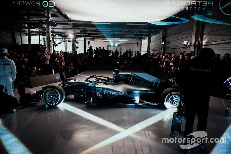 Mercedes AMG F1 W09 tanıtım