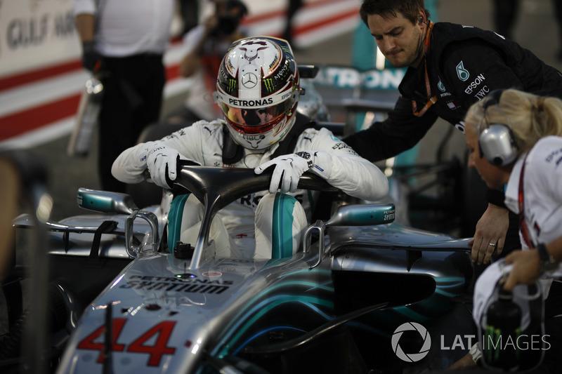 Lewis Hamilton, Mercedes-AMG F1 W09 EQ Power+ on the grid