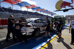 Car of Jamie Whincup, Triple Eight Race Engineering Holden after crash