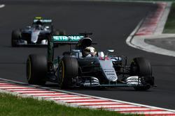 Lewis Hamilton, Mercedes-Benz F1 W07 Hybrid and Nico Rosberg, Mercedes-Benz F1 W07 Hybrid