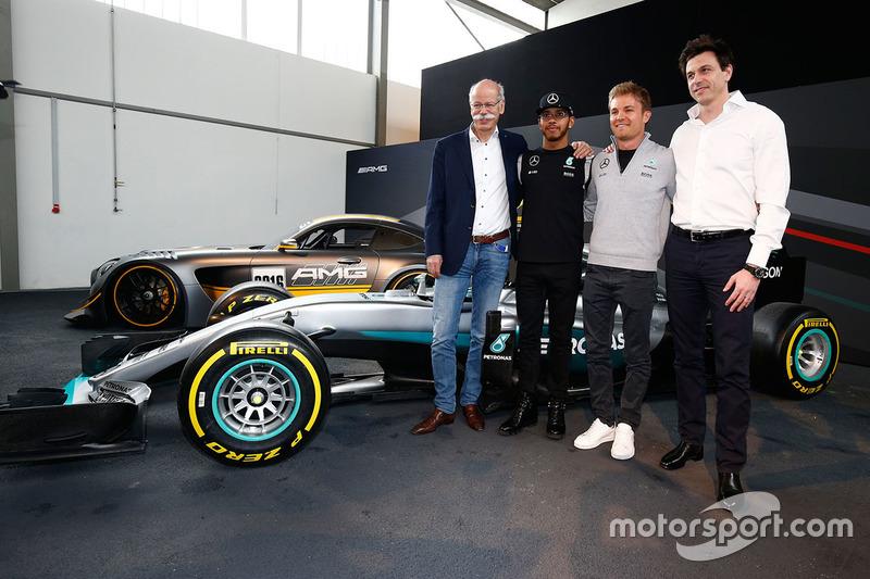 Lewis Hamilton, Mercedes AMG F1 Team, Nico Rosberg, Mercedes AMG F1 Team, Toto Wolff, Mercedes AMG F