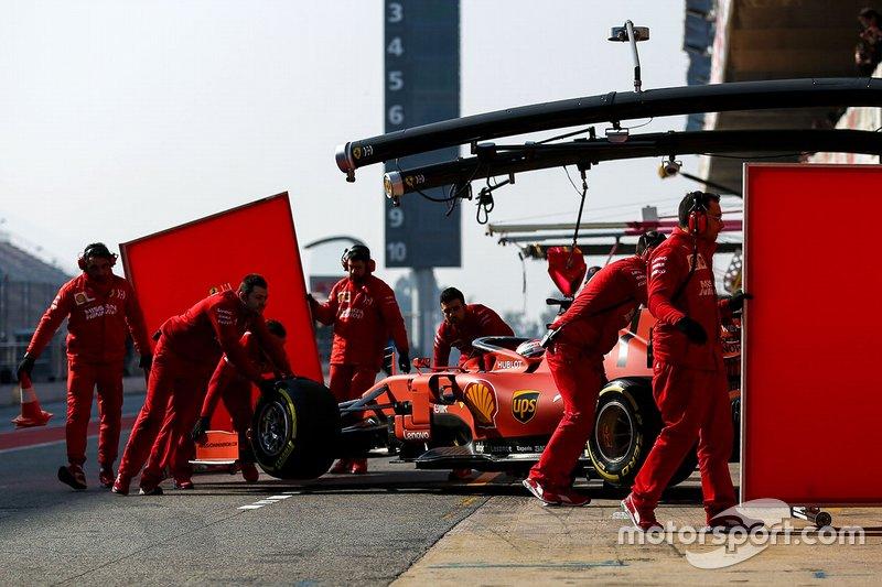 Charles Leclerc, Ferrari SF90 ai box