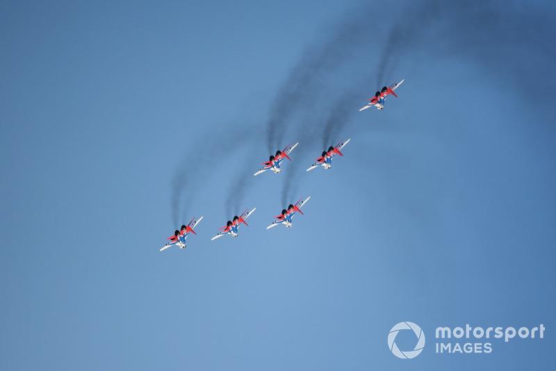 Atraksi akrobat pesawat