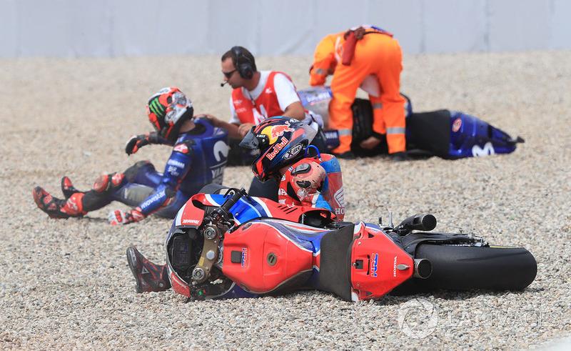 Caída de Stefan Bradl, HRC Honda Team, Maverick Viñales, Yamaha Factory Racing