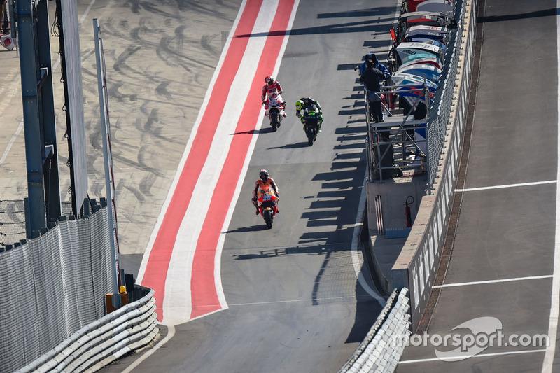 Dani Pedrosa, Repsol Honda Team in pitlane