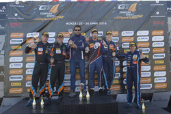 Podio: il secondo classificato Duncan Huisman, Luc Braams, V8 Racing International, Chevrolet Camaro