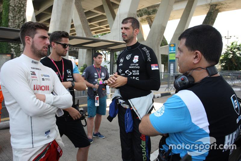 Pepe Oriola, SEAT León, Team Craft-Bamboo LUKOIL and Dusan Borkovic, Seat Leon, B3 Racing Team Hungary