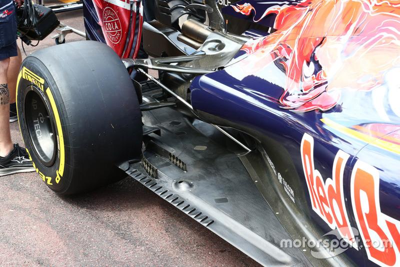 Scuderia Toro Rosso STR11 detail