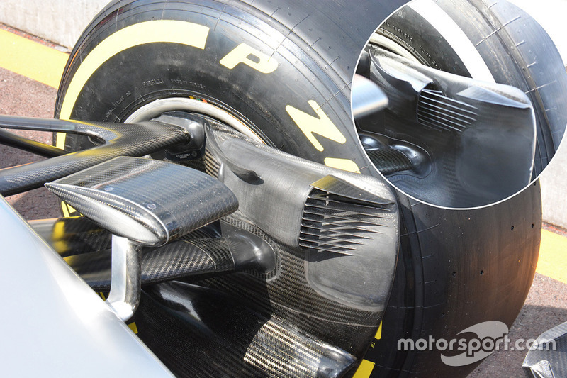 Mercedes AMG F1 Team W07 brake duct detail