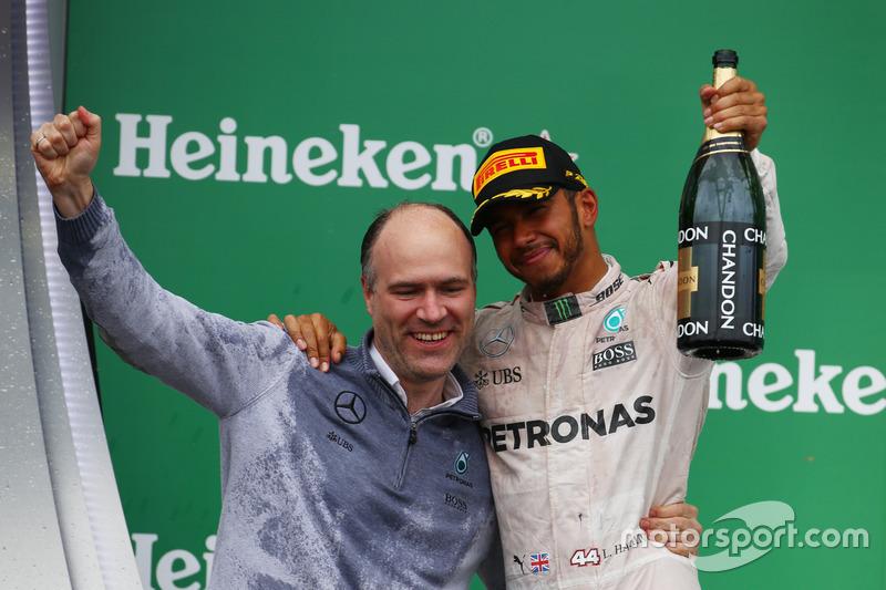 Перше місце для Льюїса Хемілтона, Mercedes AMG F1 W07