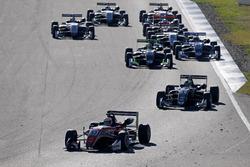 Start action, Callum Ilott, Prema Powerteam, Dallara F317 - Mercedes-Benz leads