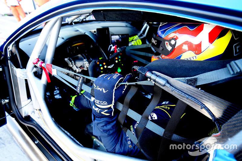 #90 TF Sport, Aston Martin V8 Vantage: Nicki Thiim
