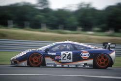 #24 Gulf McLaren F1 GTR: Mark Blundell, Ray Bellm, Maurizio Sandro Sala