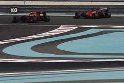 Kimi Raikkonen, de Ferrari y Daniel Ricciardo, Red Bull Racing prueba los nuevos neumáticos Pirelli
