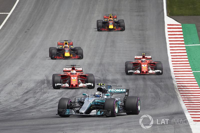 Валттері Боттас, Mercedes AMG F1 W08, Себастьян Феттель, Ferrari SF70H, Кімі Райкконен, Ferrari SF70H