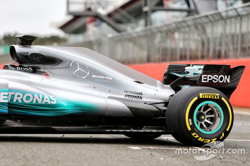 Mercedes AMG F1 W08 Hybrid: Motorhaube und Heckflügel