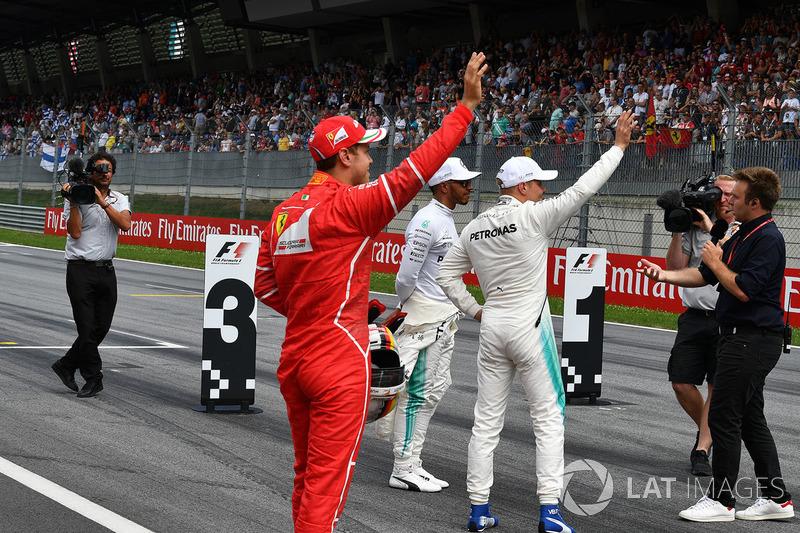 Sebastian Vettel, Ferrari, Lewis Hamilton, Mercedes AMG F1 and Valtteri Bottas, Mercedes AMG F1 talk