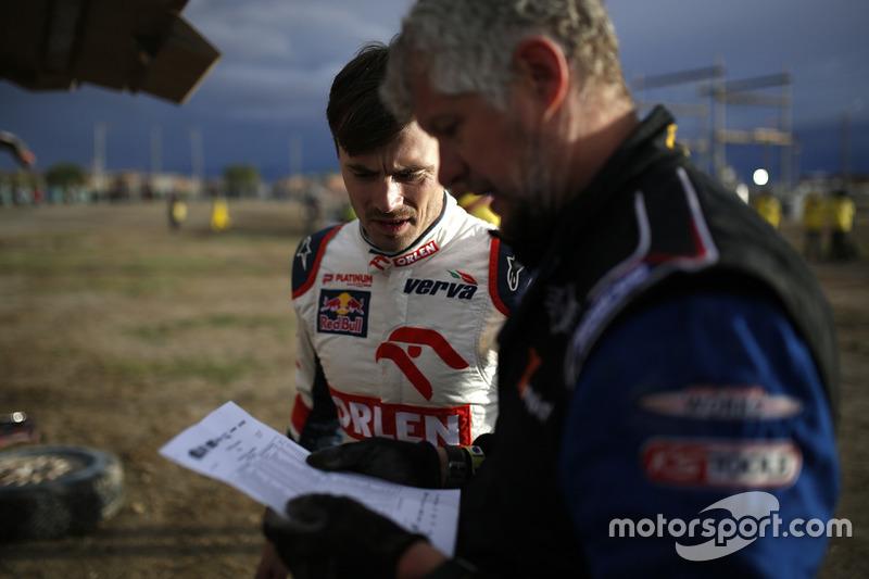 #322 X-Raid Team Mini: Xavier Panseri and #316 Orlen Team Mini: Jakub Przygonski