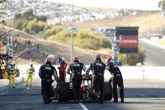 Graham Rahal, Rahal Letterman Lanigan Racing Honda is pushed back to the pit lane after repairs