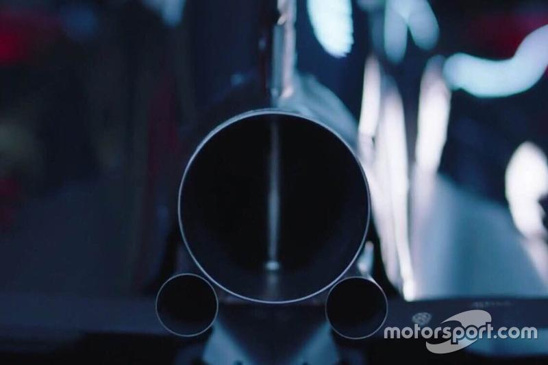 McLaren MP4-31, Auspuff