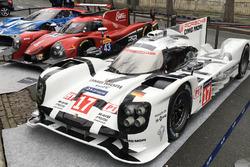 Машины Porsche 919 Hybrid, RGR Sport by Morand Ligier JS P2 и Ford GT в Париже