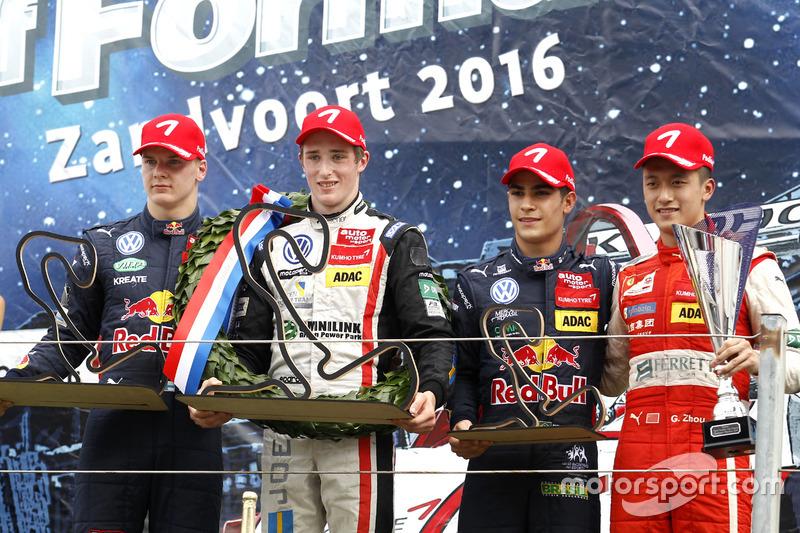 Podio: il vincitore della gara Joel Eriksson, Motopark Dallara F316 – Volkswagen; il secondo classificato Niko Kari, Motopark Dallara F316 – Volkswagen; il terzo classificato Sergio Sette Camara, Motopark Dallara F314 – Volkswagen; Giro più veloce per Guanyu Zhou, Motopark Dallara F316 – Volkswagen