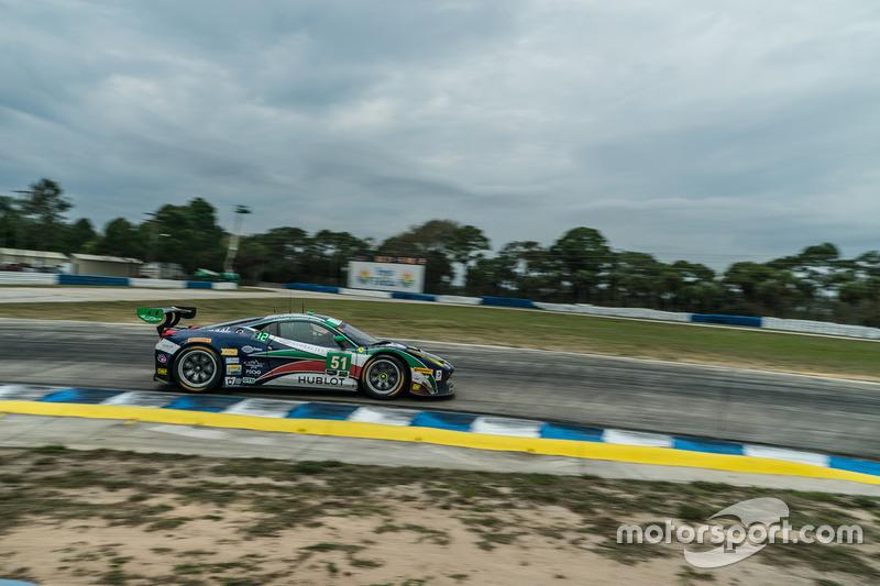 #51 Spirit of Race, Ferrari 458: Peter Mann, Raffaele Giammaria, Matteo Cressoni