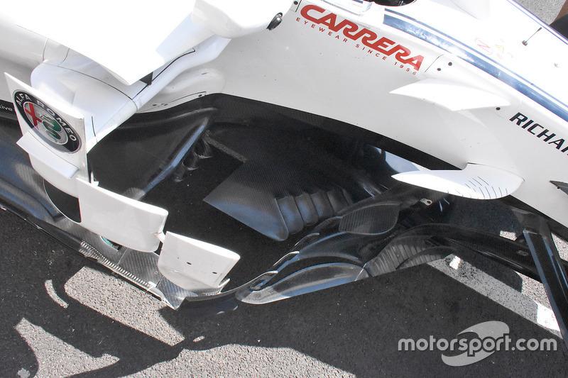 Sauber C37 side boards