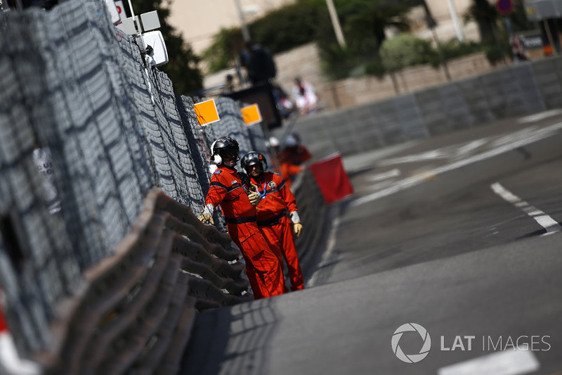 Marshals wave the red flag for drain repair in FP2