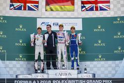 Podium: race winner Maximilian Gunther, BWT Arden, second place George Russell, ART Grand Prix, third place Lando Norris, Carlin