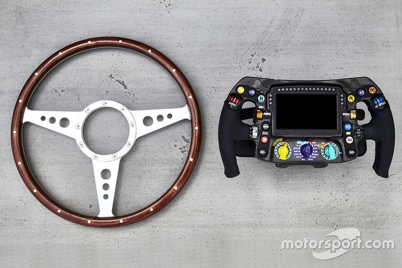 Komparasi setir Mercedes dari dua era
