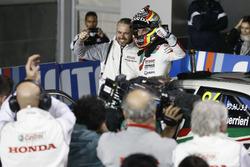 Il vincitore della gara Esteban Guerrieri, Honda Racing Team JAS, Honda Civic WTCC con Tiago Monteir