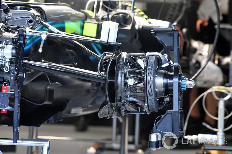 Mercedes-AMG F1 W09 ön fren