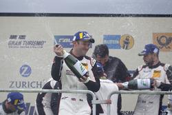 Podio: #912 Manthey Racing Porsche 911 GT3 R: Nick Tandy
