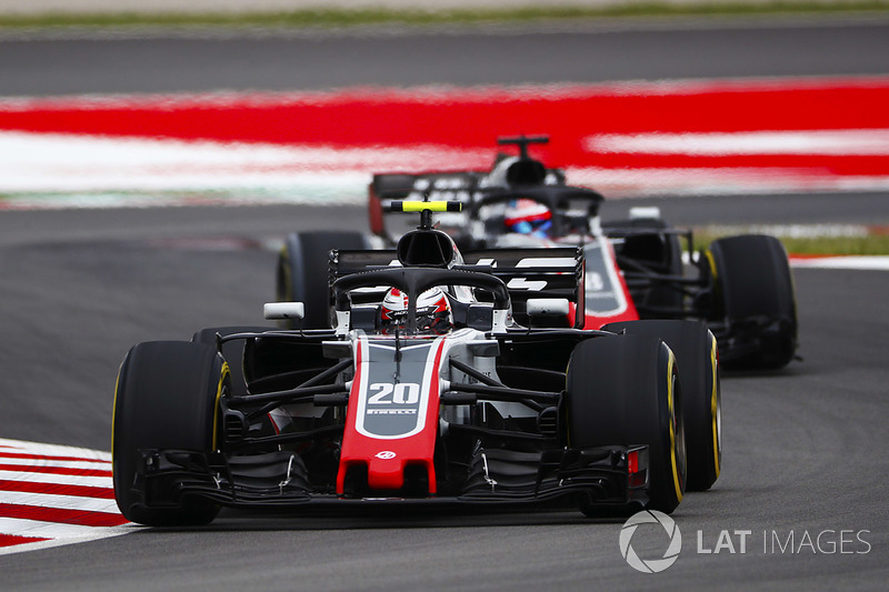 Kevin Magnussen, Haas F1 Team VF-18, Romain Grosjean, Haas F1 Team VF-18