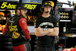 Martin Truex Jr., Furniture Row Racing, Toyota Camry 5-hour ENERGY/Bass Pro Shops Cole Pearn