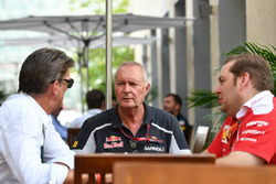 Graeme Lowdon, John Booth, Scuderia Toro Rosso e Dave Greenwood, ingegnere Ferrari