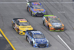 Danica Patrick, Stewart-Haas Racing Ford, Matt DiBenedetto, GO FAS Racing Ford, Kevin Harvick, Stewart-Haas Racing Ford and David Ragan, Front Row Motorsports, Ford Fusion