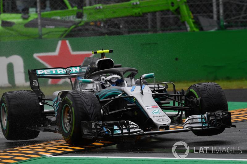 Valtteri Bottas, Mercedes AMG F1 W09 jumps over the kerb