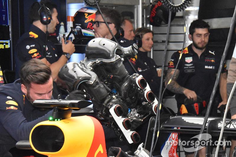 Воздушная камера мотора Renault на Red Bull RB14
