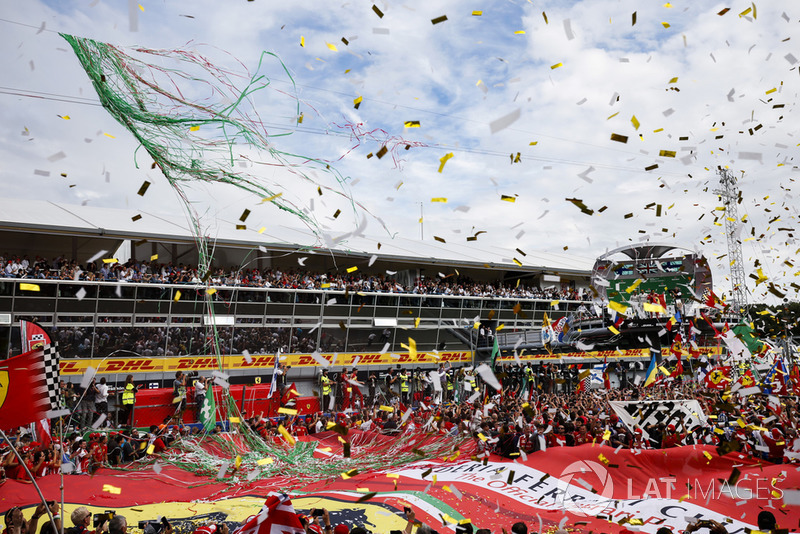 Lewis Hamilton, Mercedes AMG F1, Kimi Raikkonen, Ferrari, Valtteri Bottas, Mercedes AMG F1