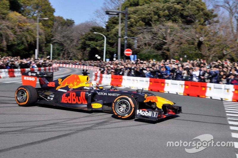 Red Bull Tokyo Gösteri Sürüşü