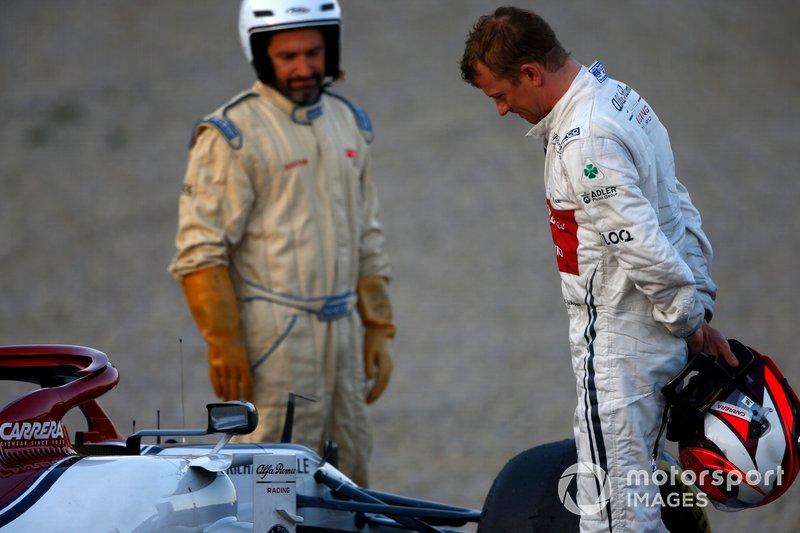 Кімі Райкконен, Alfa Romeo Racing C38 зупинився на трасі