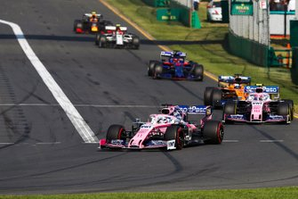 Sergio Perez, Racing Point RP19, Lance Stroll, Racing Point RP19, Carlos Sainz Jr., McLaren MCL34, y Daniil Kvyat, Toro Rosso STR14