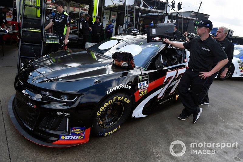 35. Garrett Smithley, Spire Motorsports, Chevrolet Camaro Overkill Motorsports