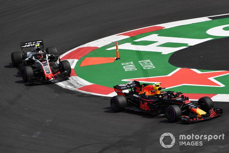 Макс Ферстаппен, Red Bull Racing RB14, Кевін Магнуссен, Haas F1 Team VF-18